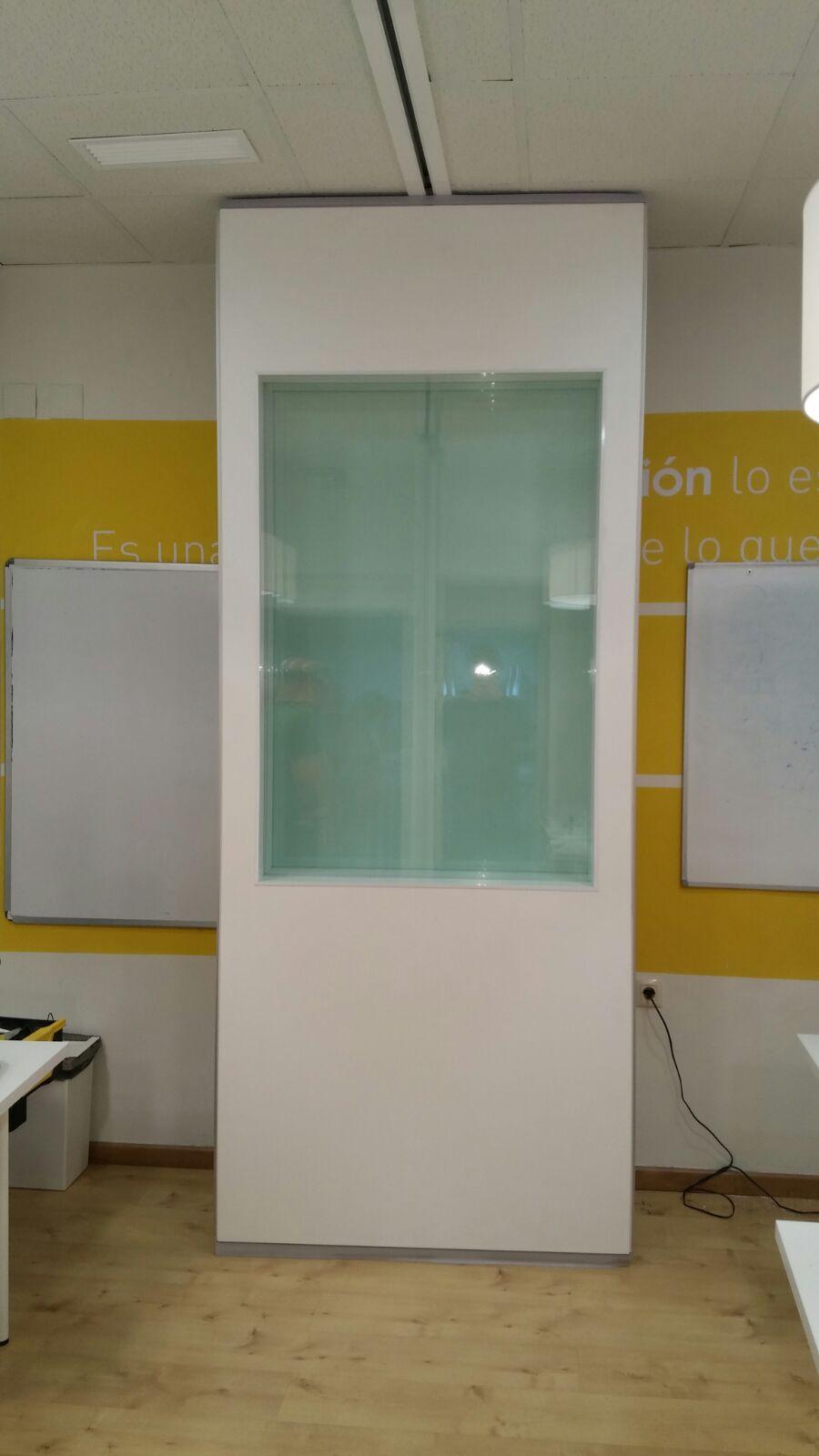 Tabique móvil mixto modelo 6800 con vidrio